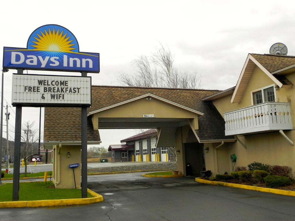 Days Inn Cortland/McGraw