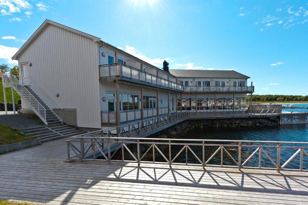 Kjerringoy Havn Bryggehotell