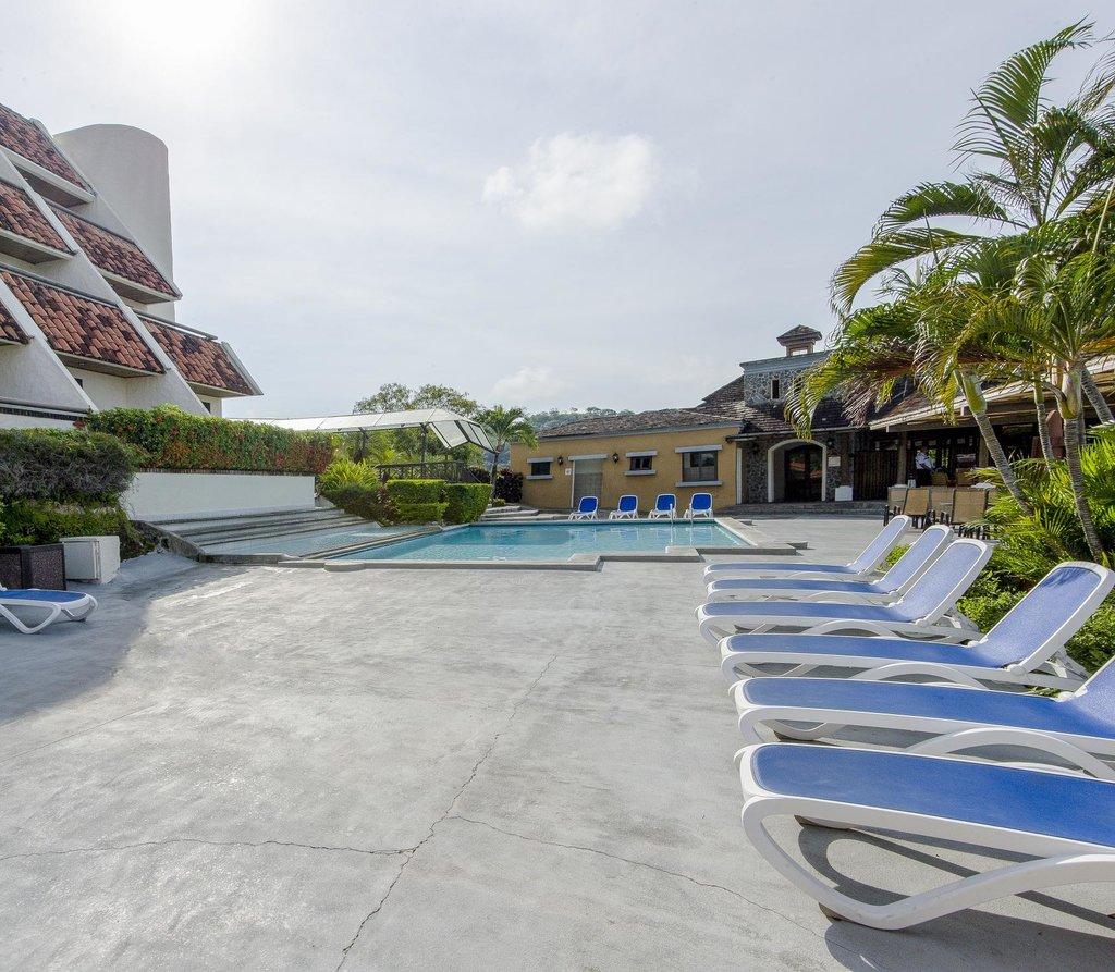 Villas Sol Hotel & Beach Resort
