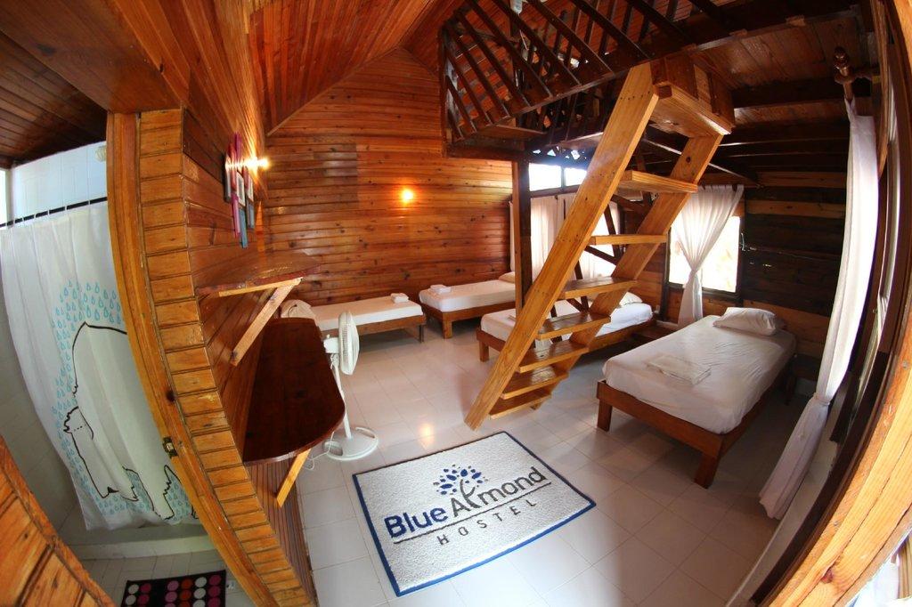 Blue Almond Hostel providencia