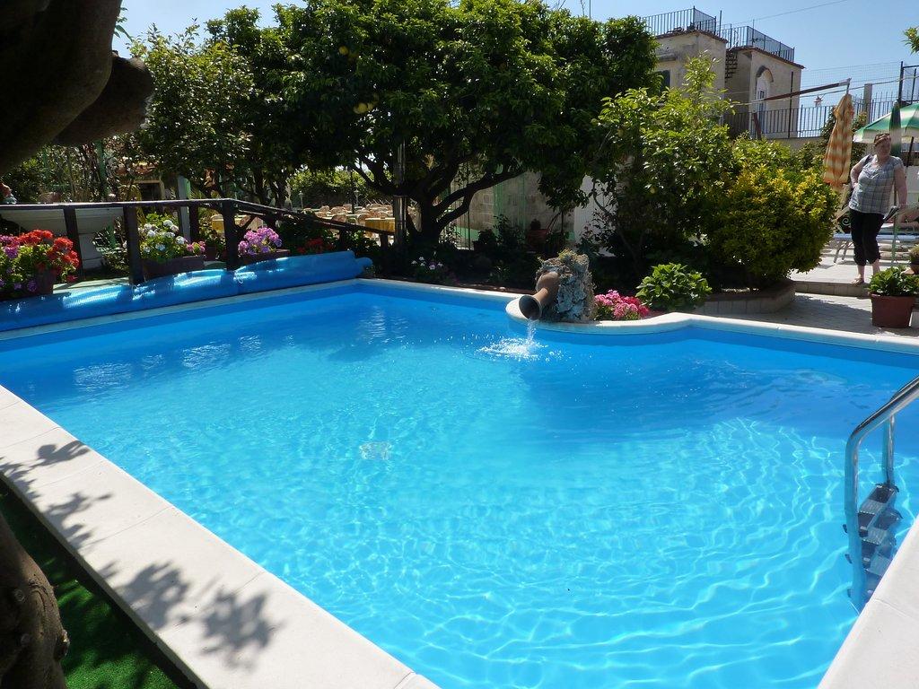 Hotel Ristorante La Rondinella Baia di Sorgeto
