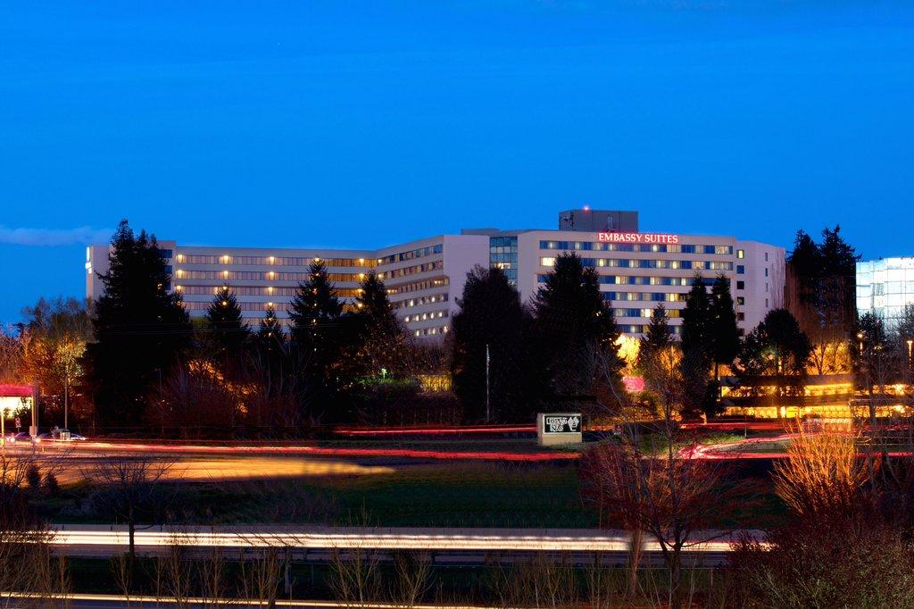 Embassy Suites by Hilton Portland - Washington Square