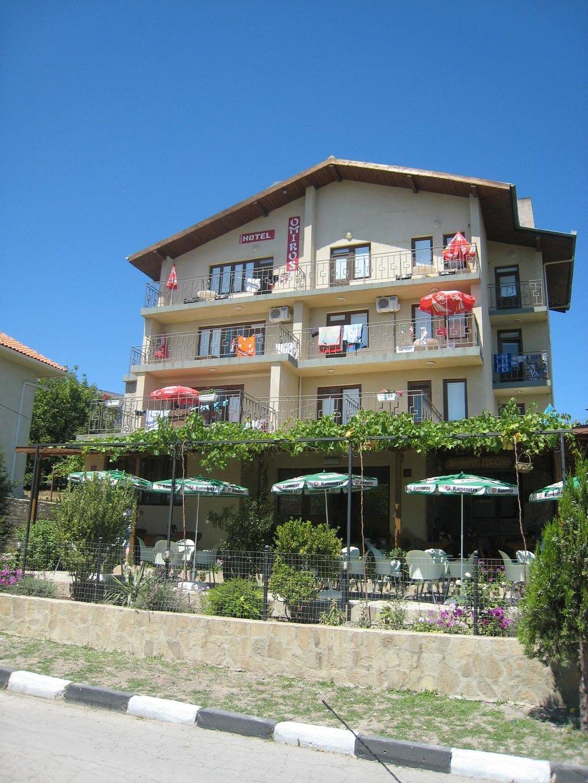 Omiros Family Hotel