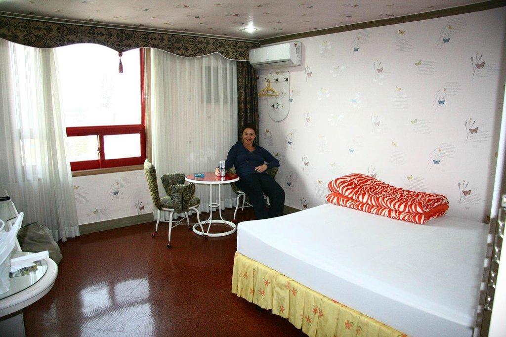 Rocustel Motel