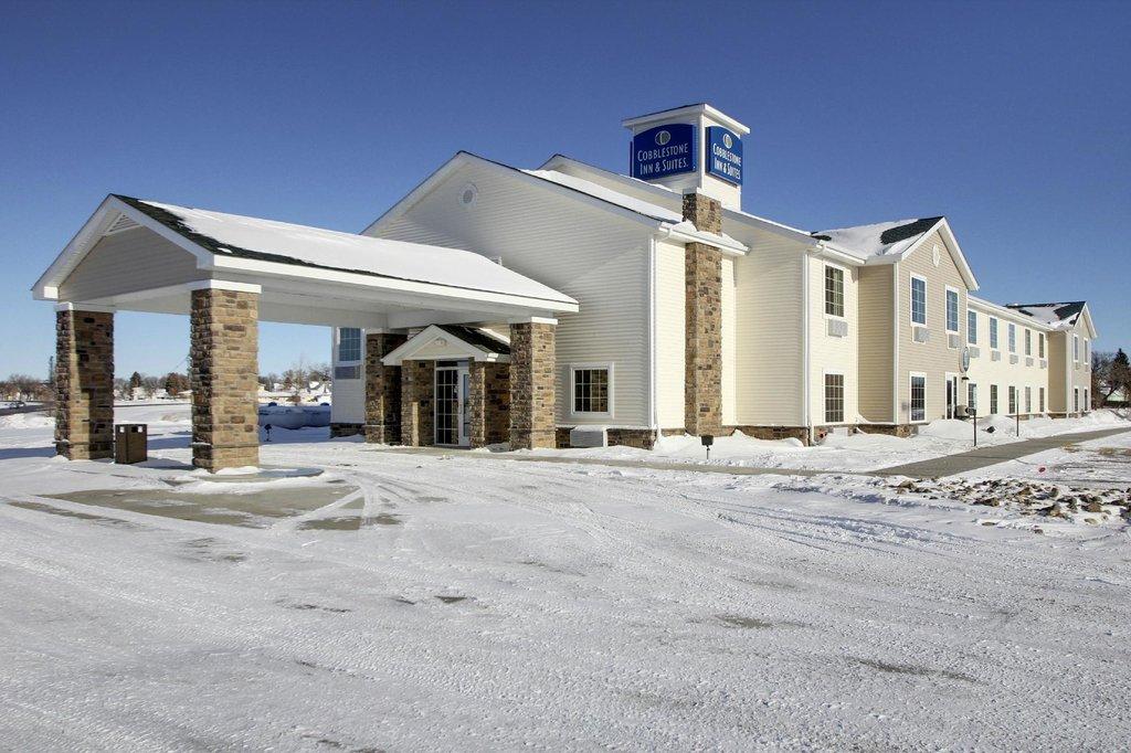 Cobblestone Inn and Suites Harvey