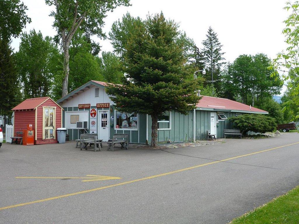 Glacier Pines RV Park