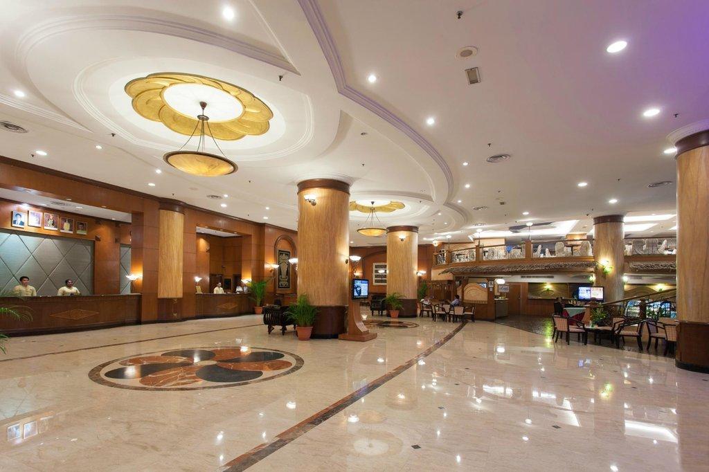 โรงแรมซัมมิท สุบัง ยูเอสเจ