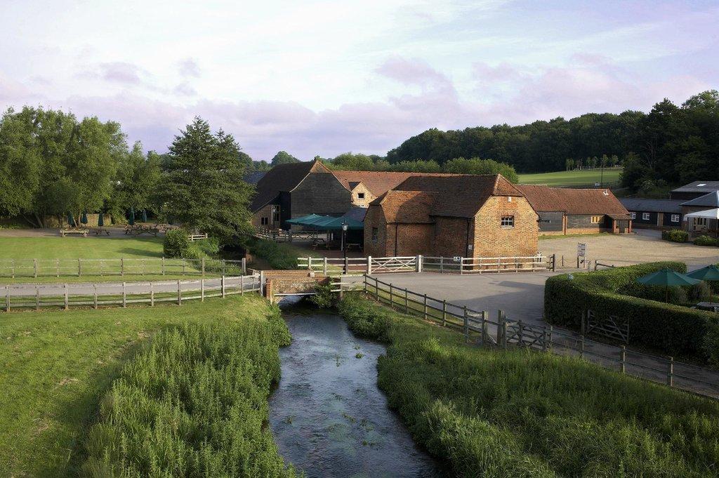Tewin Bury Farm Hotel