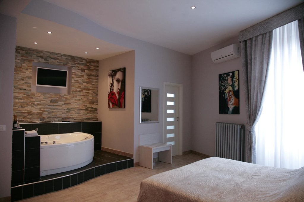Five Rooms Rome