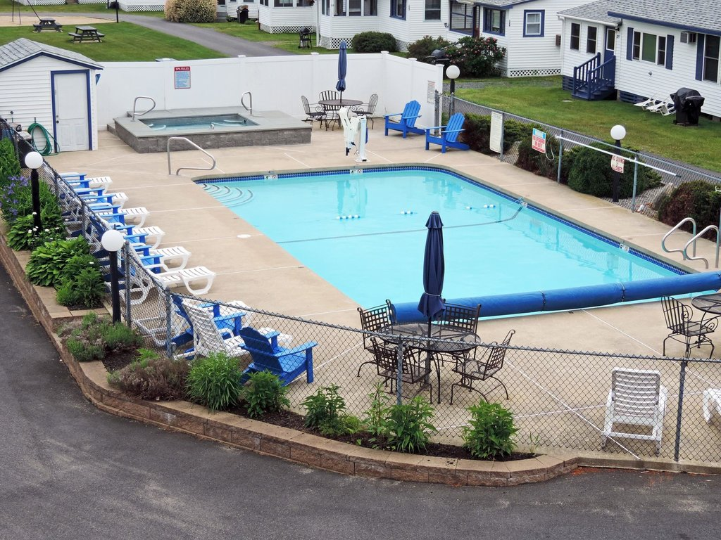 Water Crest Cottages and Motel