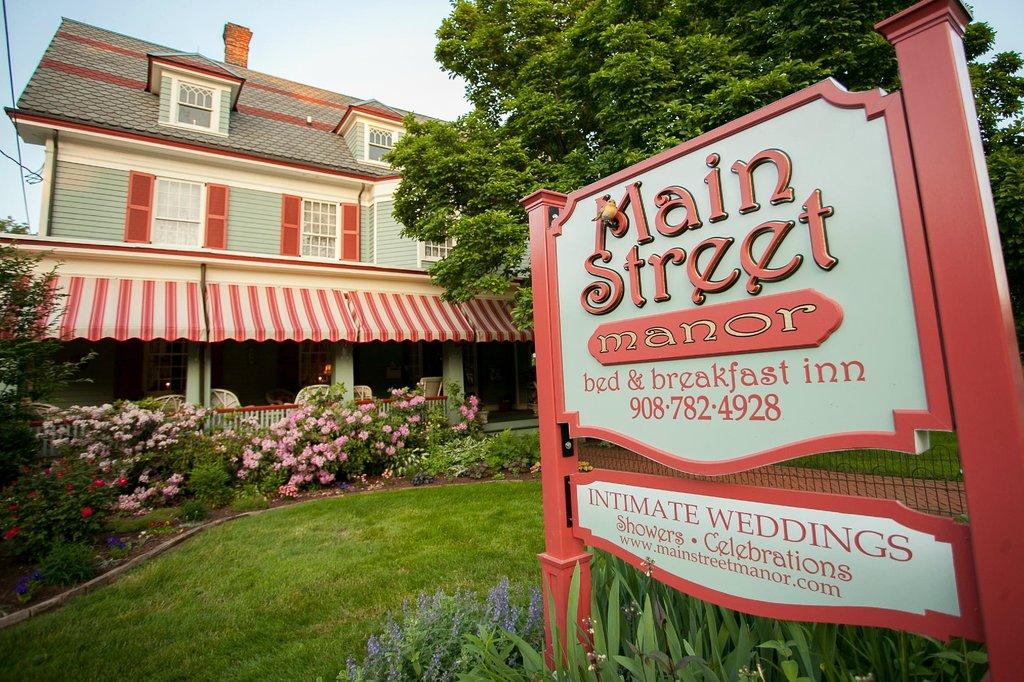 Main Street Manor Bed & Breakfast Inn