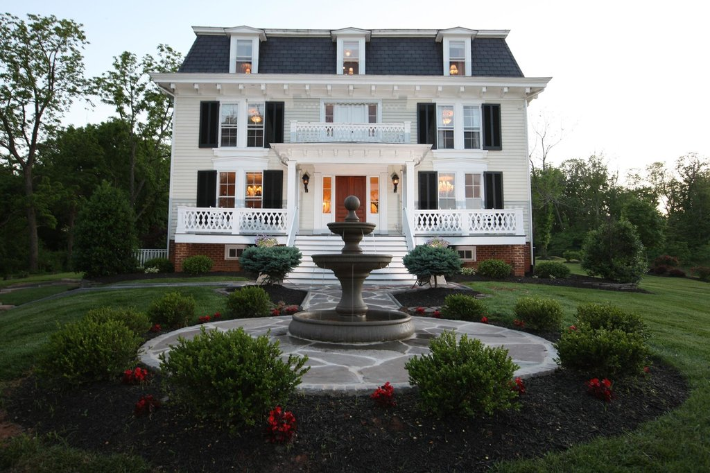 ‪Chestnut Hill Bed & Breakfast Inn‬