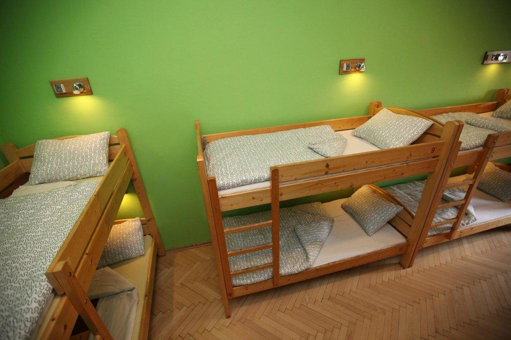 Intro Hostel
