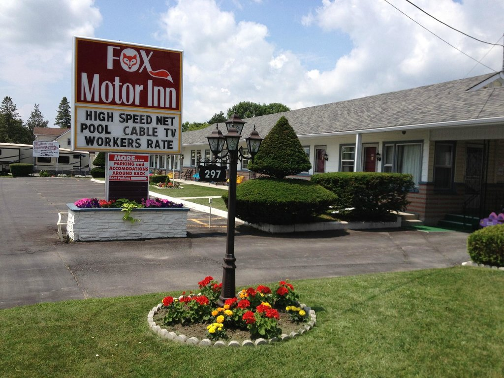 Fox Motor Inn