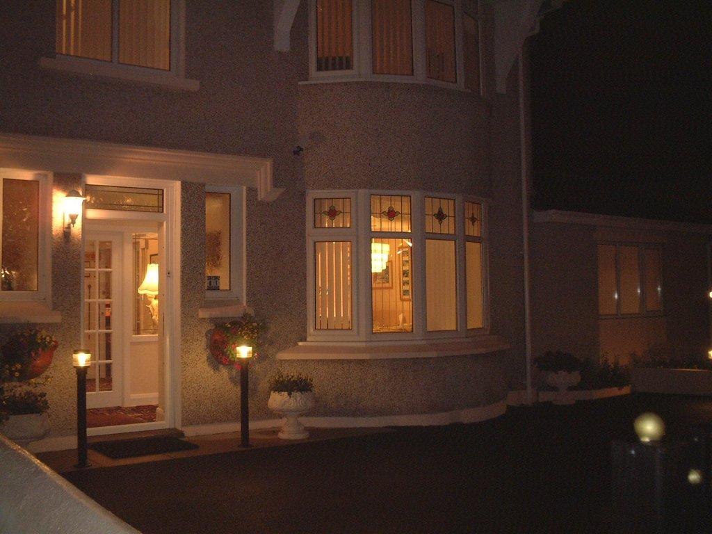 Crossroads Guest House