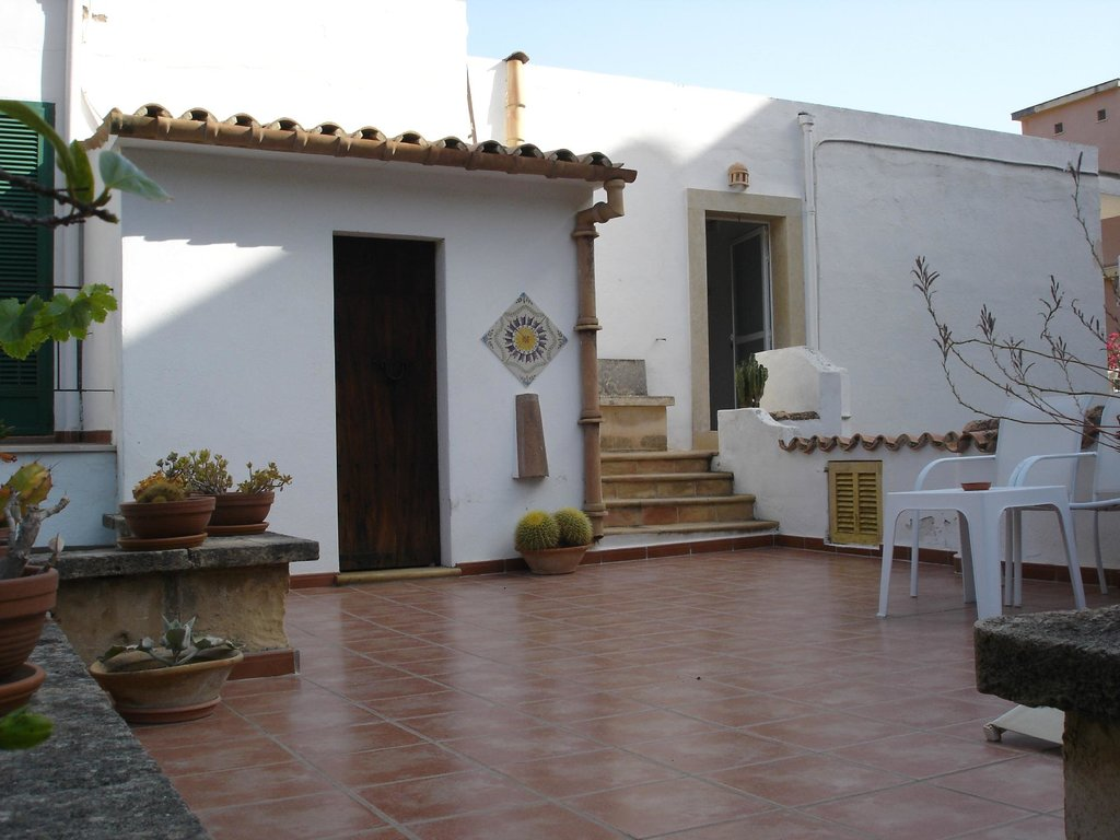 Hostal Residencia Catalina Vera