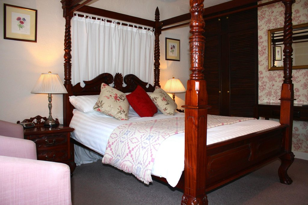 Four Poster Guesthouse