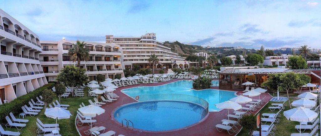 โรงแรมมาริบลูคอสโมโพลิแตน