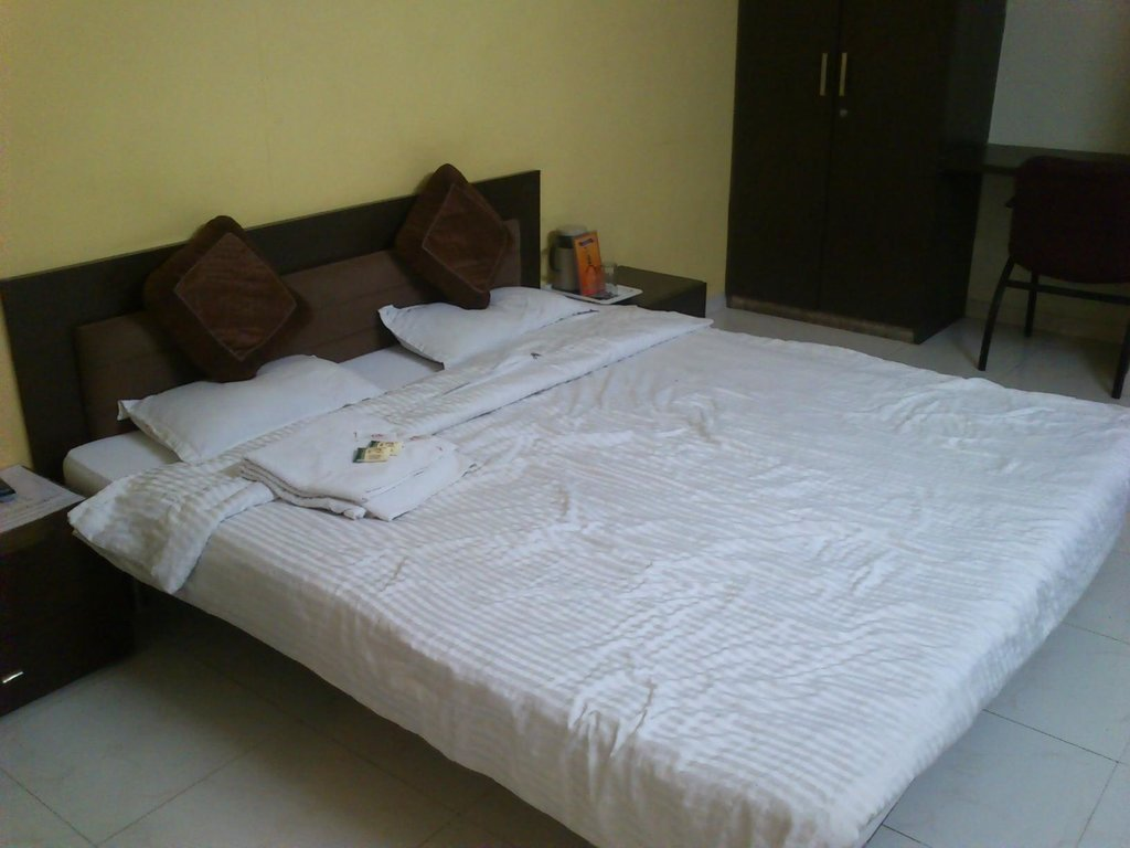Rudra Regency & Vista Rooms