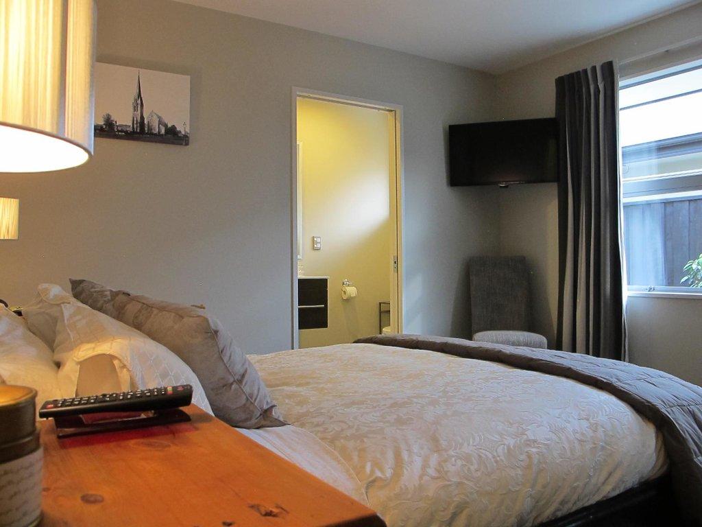 Halkett Grove Bed And Breakfast