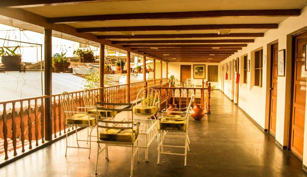 La Posada Inn