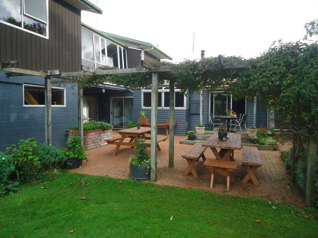 Kakaramea Guest House and Bed & Breakfast