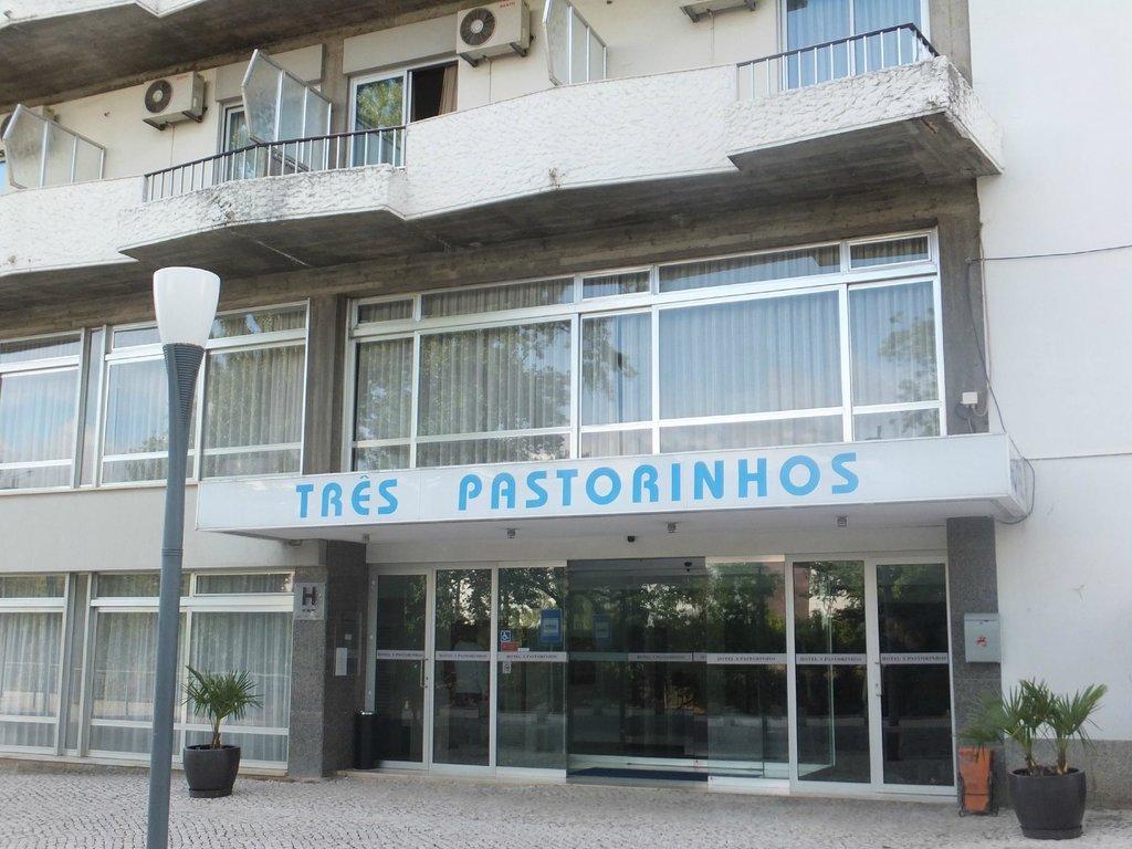 Tres Pastorinhos Hotel