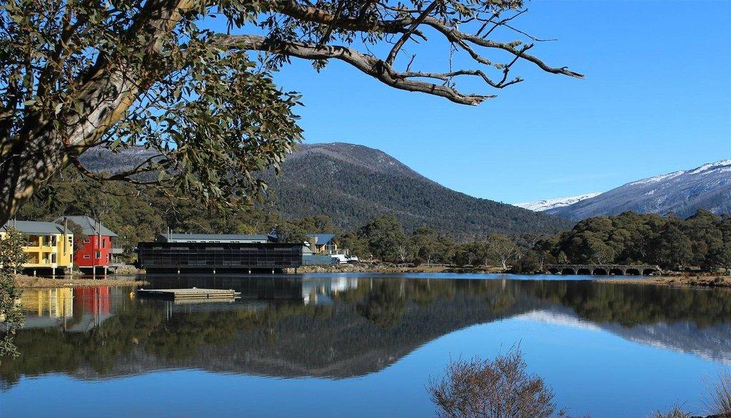 克拉肯巴克湖溫泉渡假村