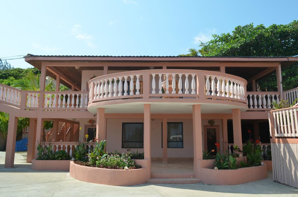 Caye Harbour Lodge