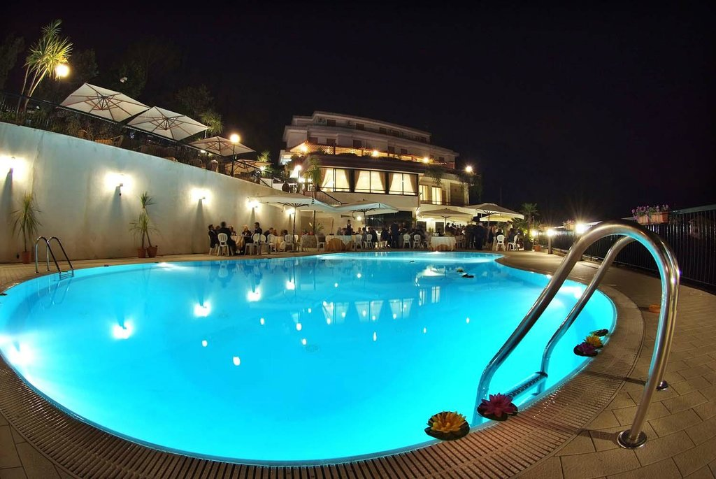 Hotel Pineta  Ristorante Castello