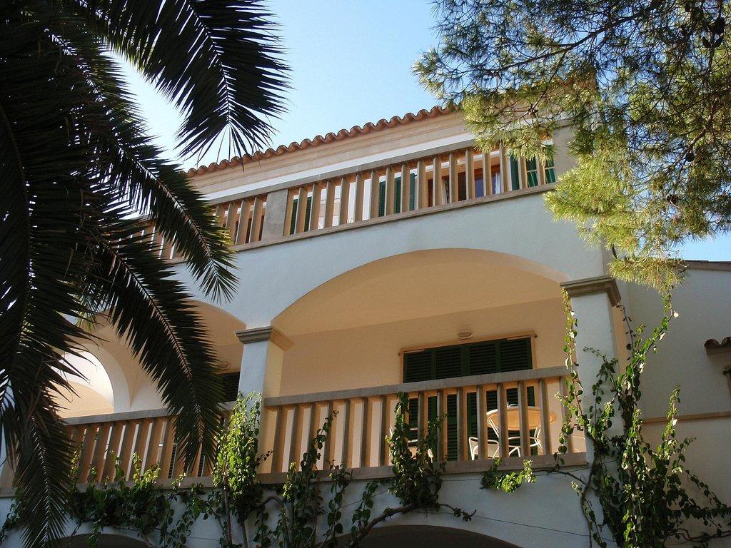 Apartamentos Village Cala Santanyi