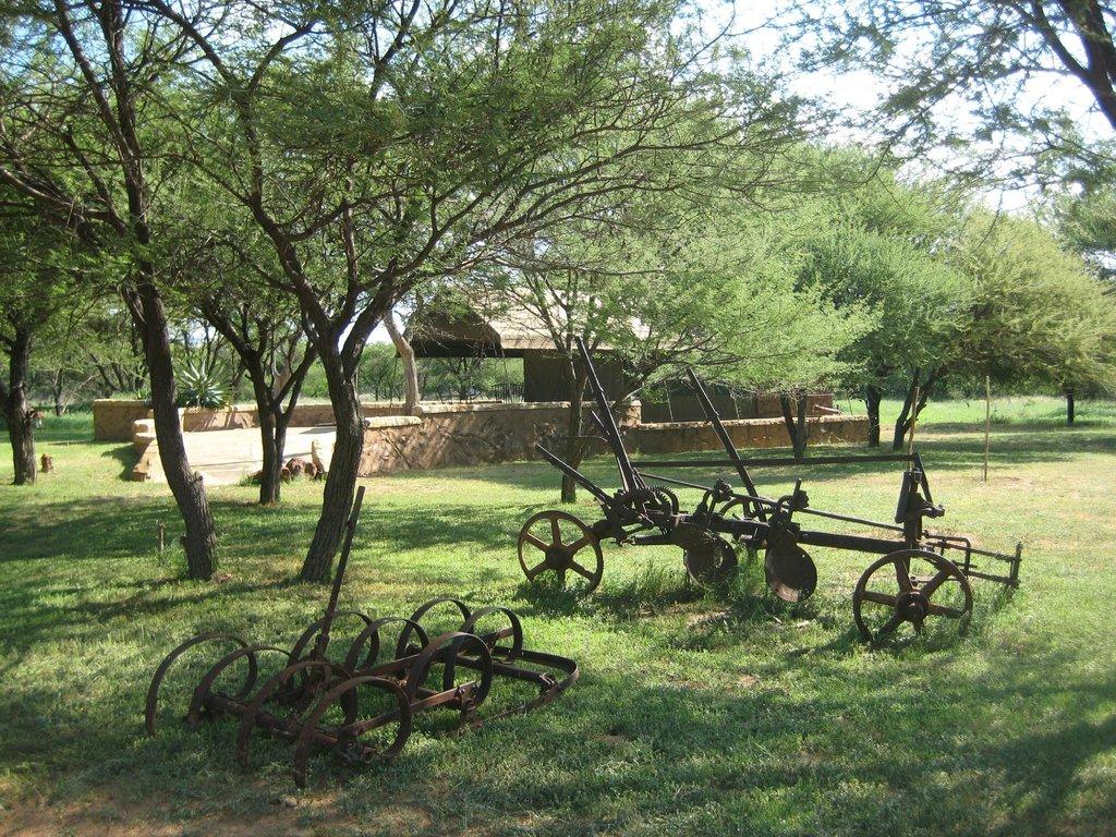 Motsomi Lodge & Tent Camp