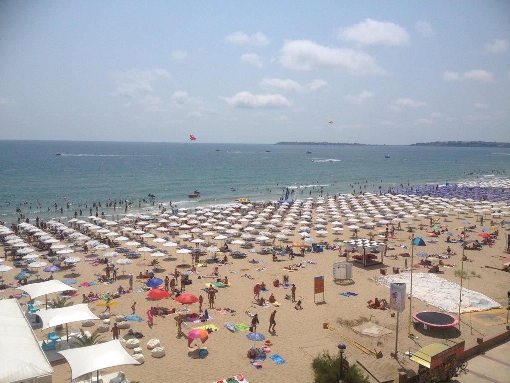 Chaika Beach Hotel