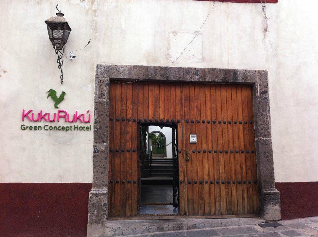 Kuku Rukú Hotel