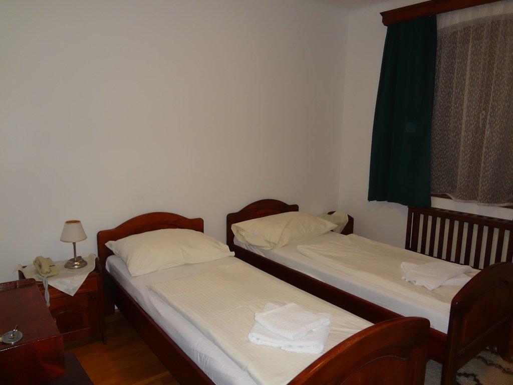 Kapu Panzio Hotel