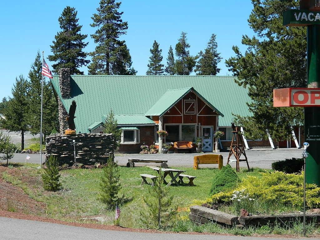 Eagle Crater Lake Inn