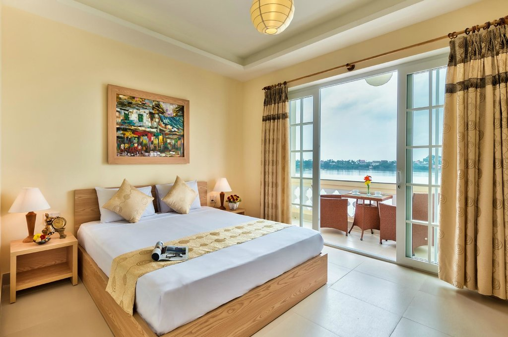 Sun Boat Hotel