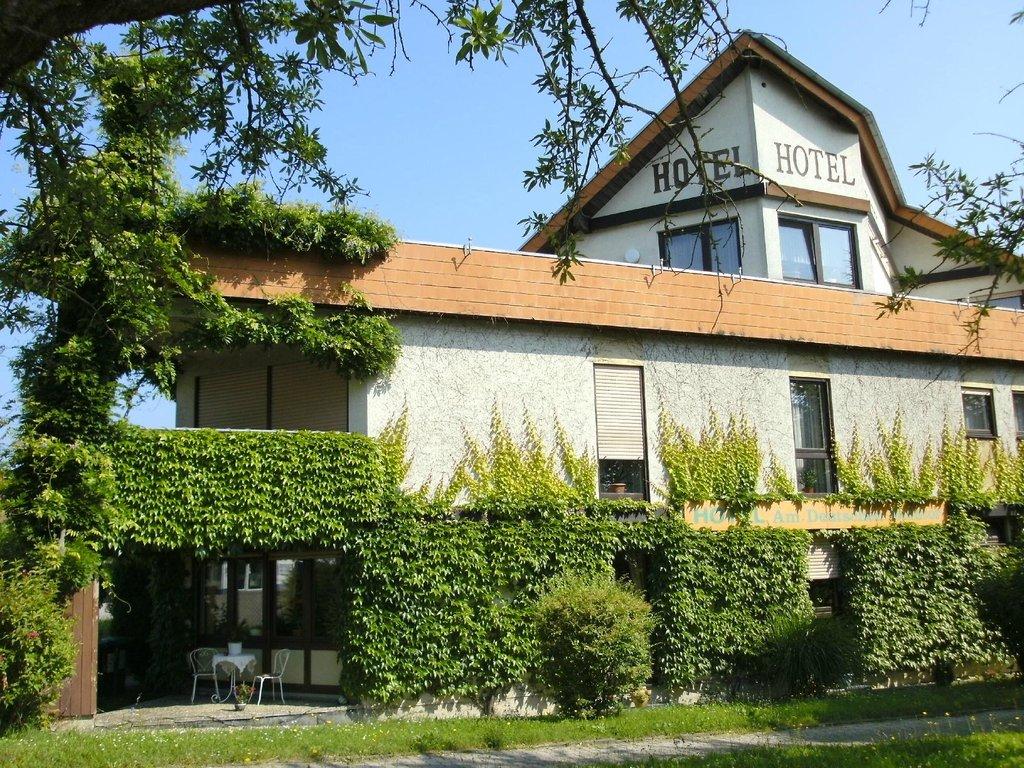 Hotel Garni Am Deutschen Weintor