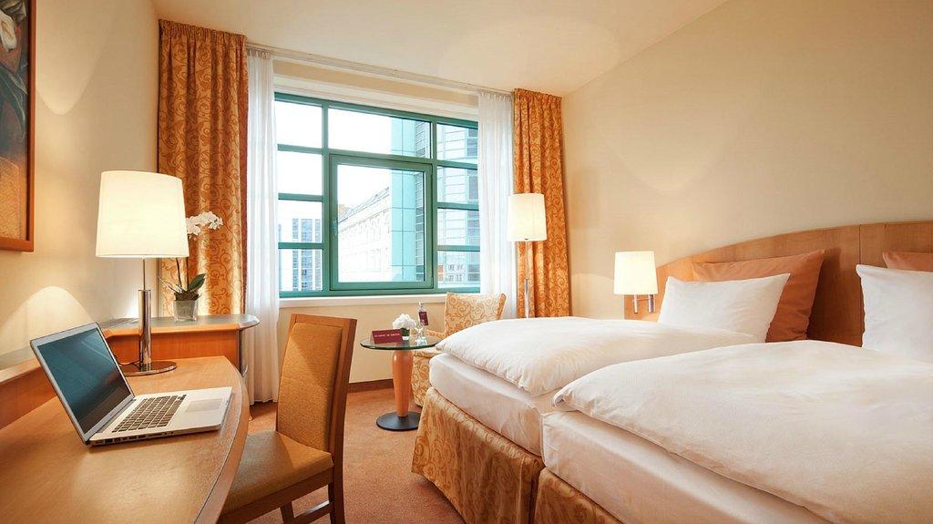 โรงแรมเอเบียนสปรีโบเกนวอเตอร์ไซด์