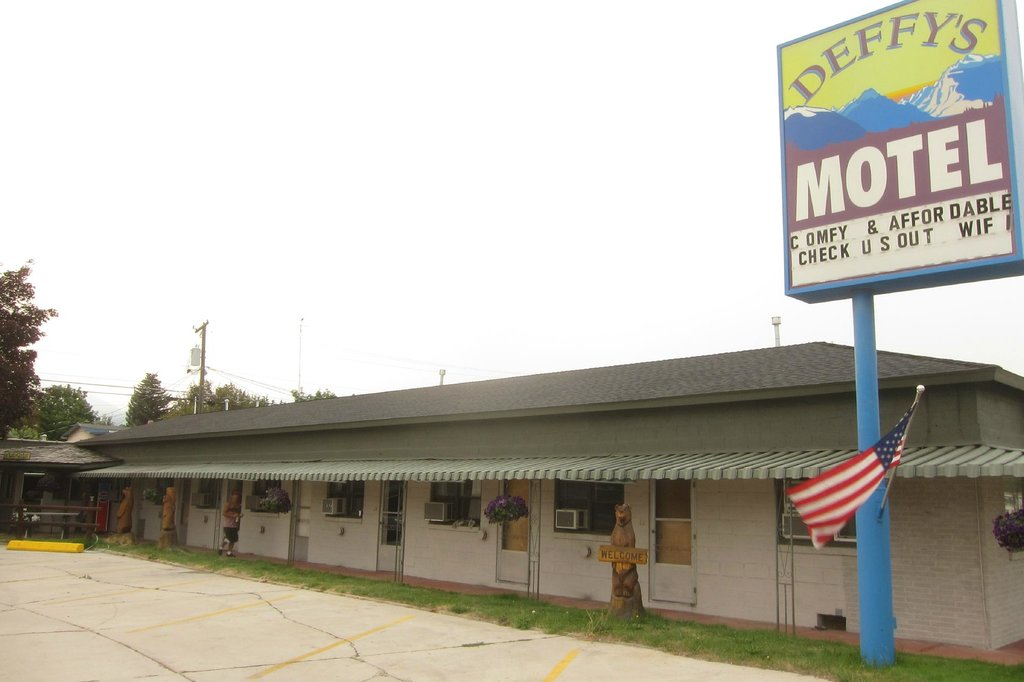 ‪Deffy's Motel‬