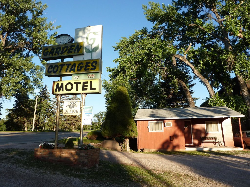 Garden Cottages Motel - Rapid City