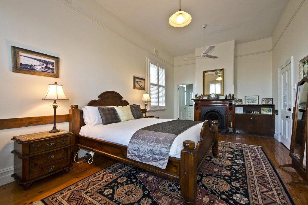 Carmel of Sorrento Heritage Suites & Holiday Units