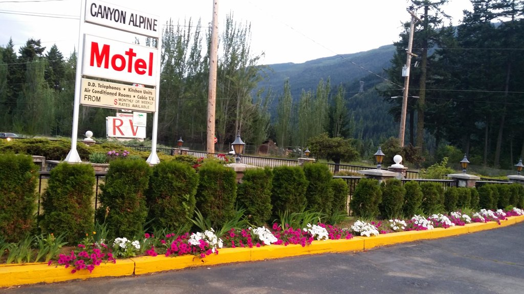 Canyon Alpine Motel
