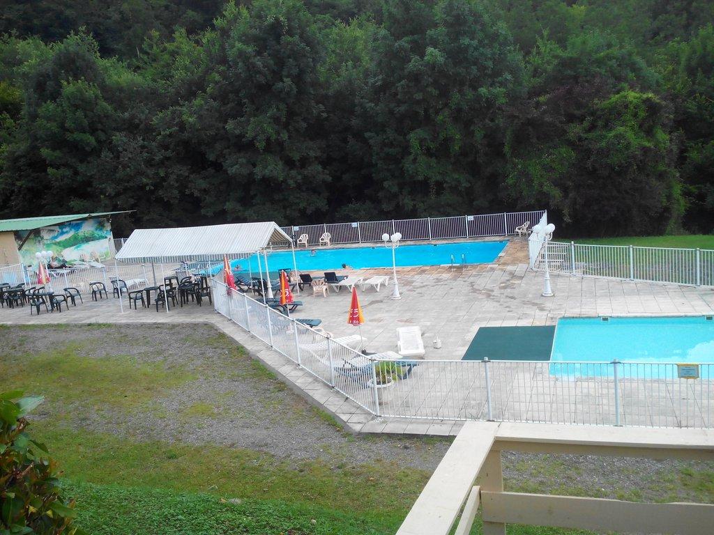 Parc de Paletes Hotel & Camping