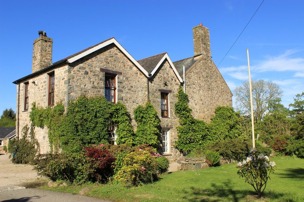 Wern Fawr Manor Farm - Country House B&B