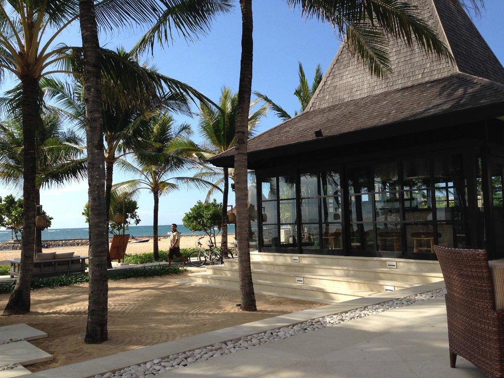 The Royal Santrian, Luxury Beach Villas