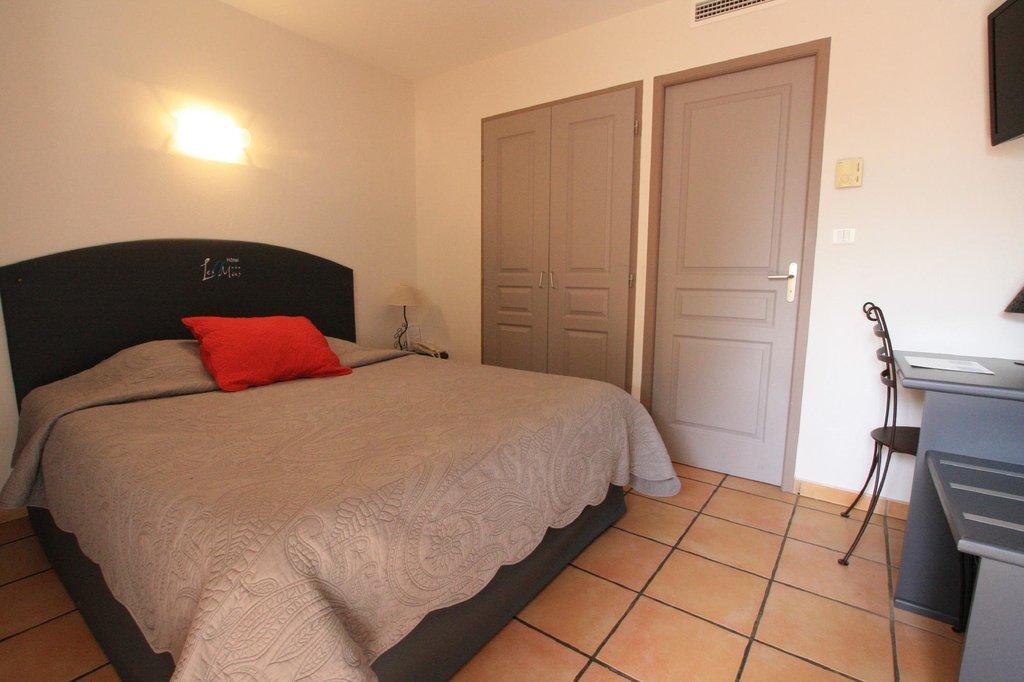 Les II (Deux) Mas Hotel