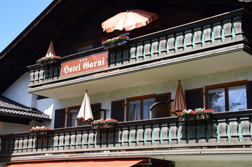 布魯薩特伽尼酒店