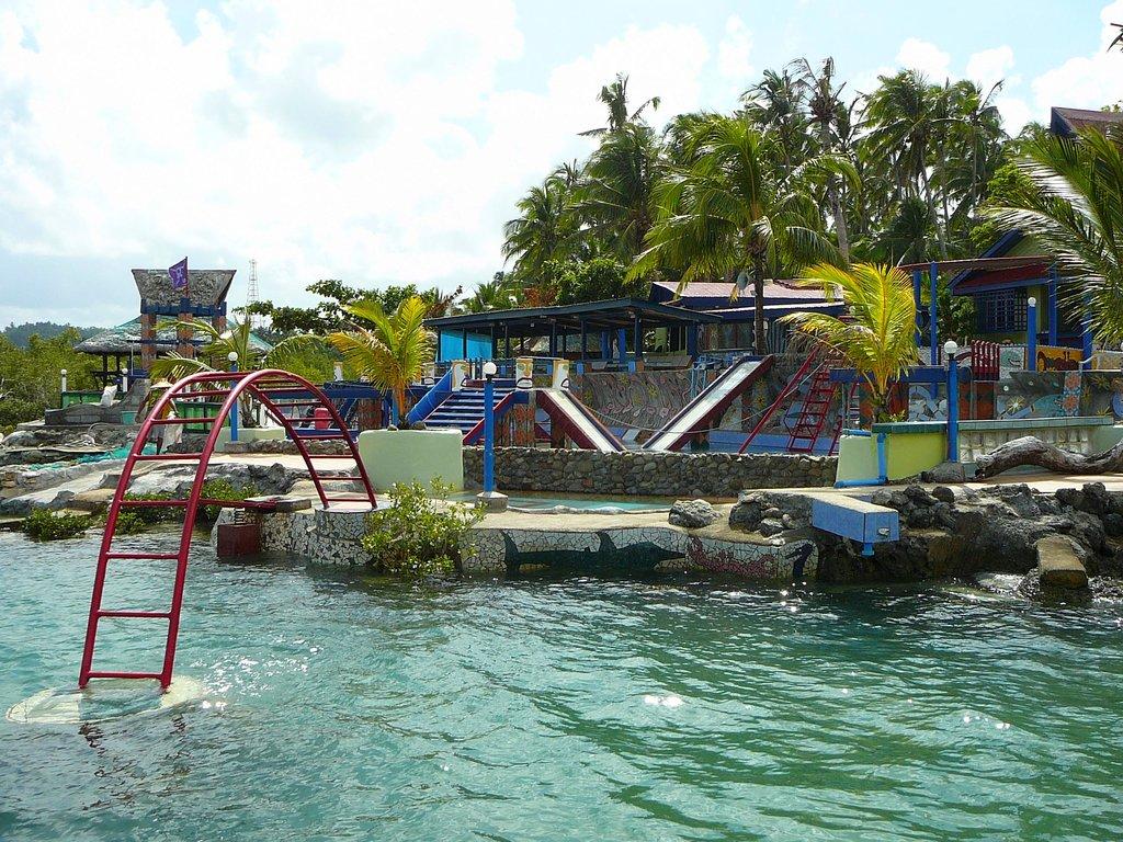 Pirates Cove Beach and Surf Resort