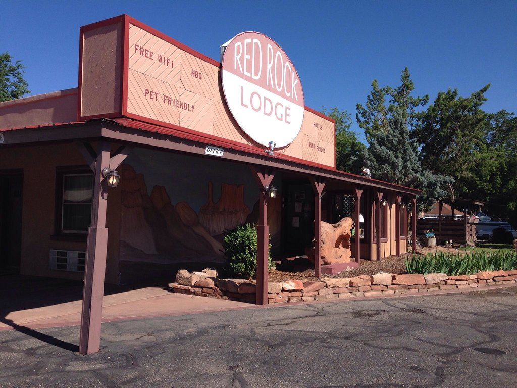 Red Rock Lodge